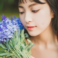 可爱花季少女清新写真照片