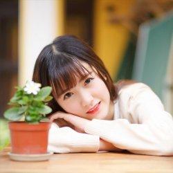 唯美清纯学生妹小院悠闲假期