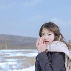 冬天日本校园美女学生制服