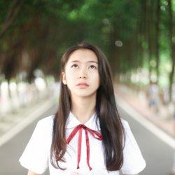 安静校园制服学生妹清纯照片