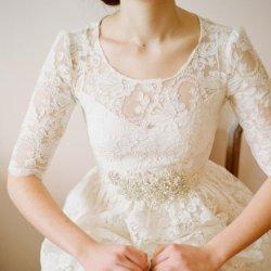 美丽的白色新娘婚纱设计照片