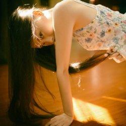 一个人的独舞思念伤感女子图片