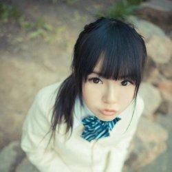 樱花树下日本校园制服女生
