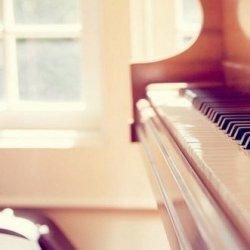 唯美钢琴图片
