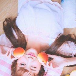 俏皮清纯水蜜桃美女图片