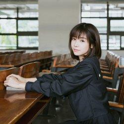 清纯甜美日本校园制服女生