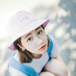 夏日小清新滑板女生图片