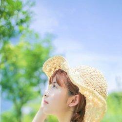 夏日可爱小清新女生图片