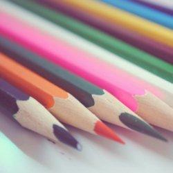 五颜六色的彩色铅笔图片