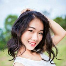 可爱爱笑阳光美女写真照片
