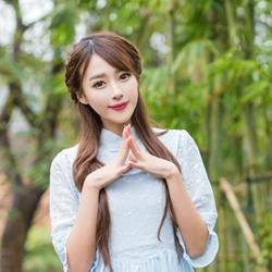 清纯长发长裙气质美女