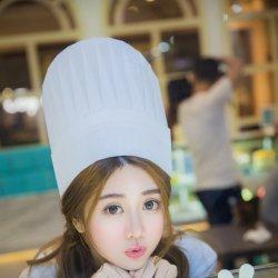 爱美食的粉嫩可爱少女图片