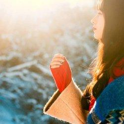 清纯宁静美女雪地里唯美写真