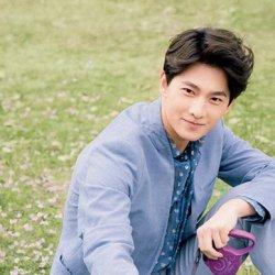 阳光大男生杨洋时尚写真