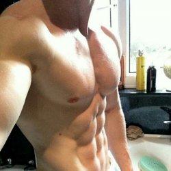 肌肉性感帅哥自拍照