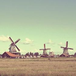 唯美荷兰风车风景图片