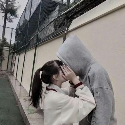 情侣头像允言:唯美情侣.