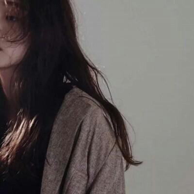 女生头像林夕:女生头像/为什么你总是相信她
