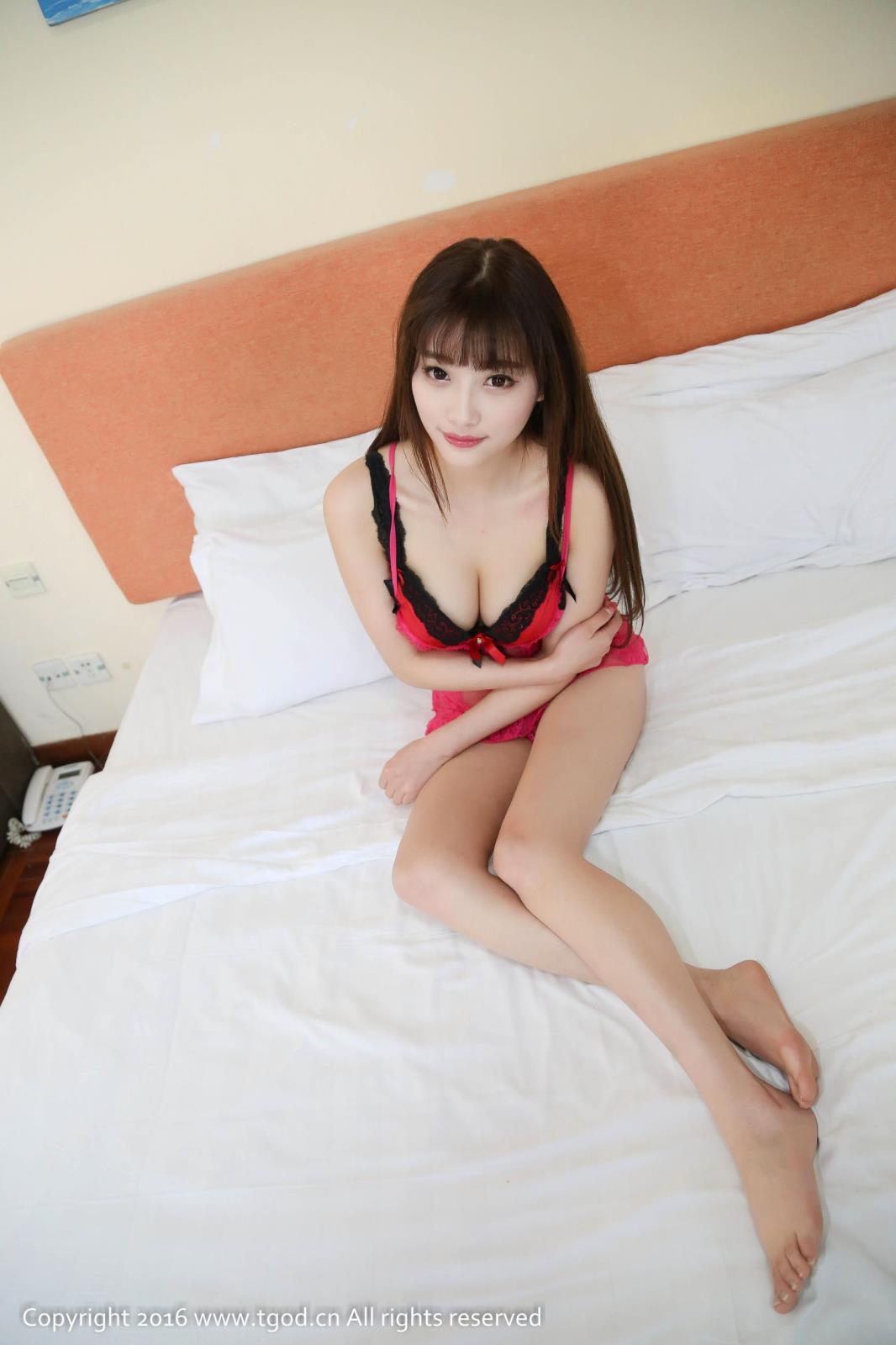 [TGOD推女神] 杨晨晨Sugar小甜心CC女仆装镂空透视情趣内衣制服诱惑