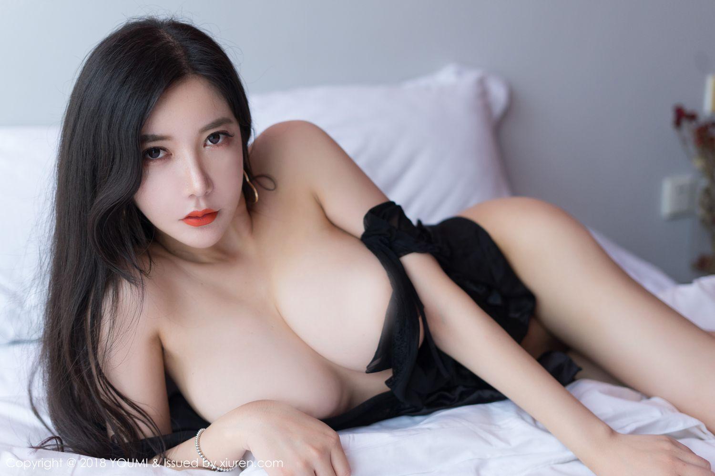[YOUMI尤蜜荟] 美女模特李妍曦波涛胸涌人间胸器大尺度性感写真 VOL.198