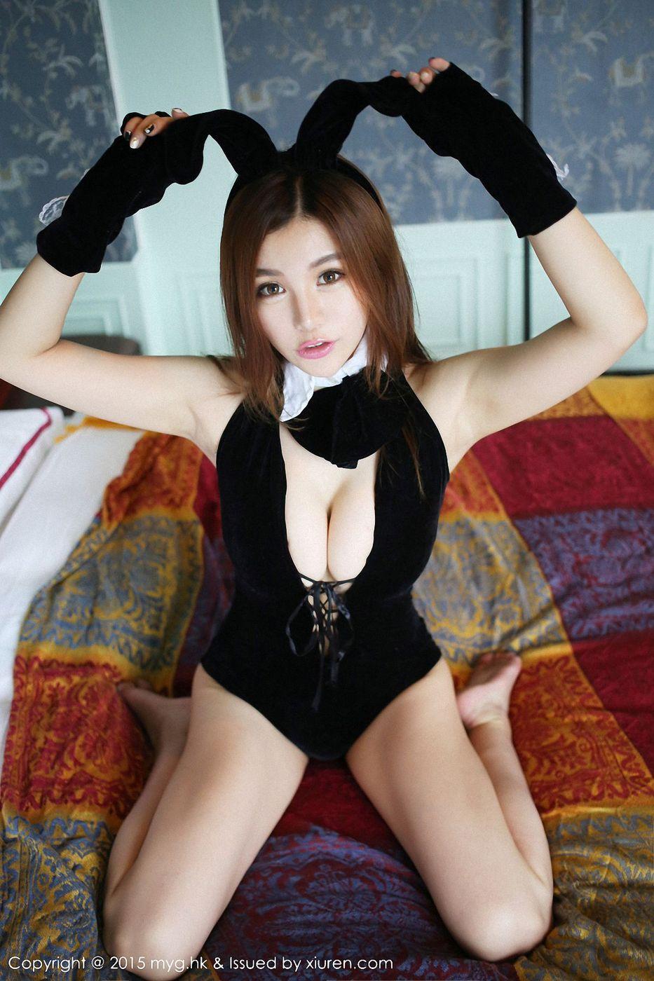 [MyGirl美媛馆] 性感女神刘娅希COSPLAY兔女郎黑色内衣诱惑写真集 Vol.145