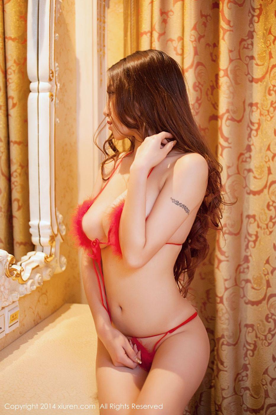 [XIUREN秀人网] 混血美女模特陈思琪Art极品巨乳女神私房照