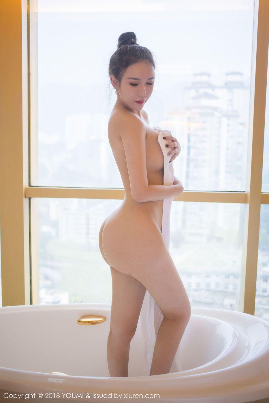[YouMi尤蜜荟] 性感女神Egg_尤妮丝浴室丁字裤湿身诱惑写真 Vol.194