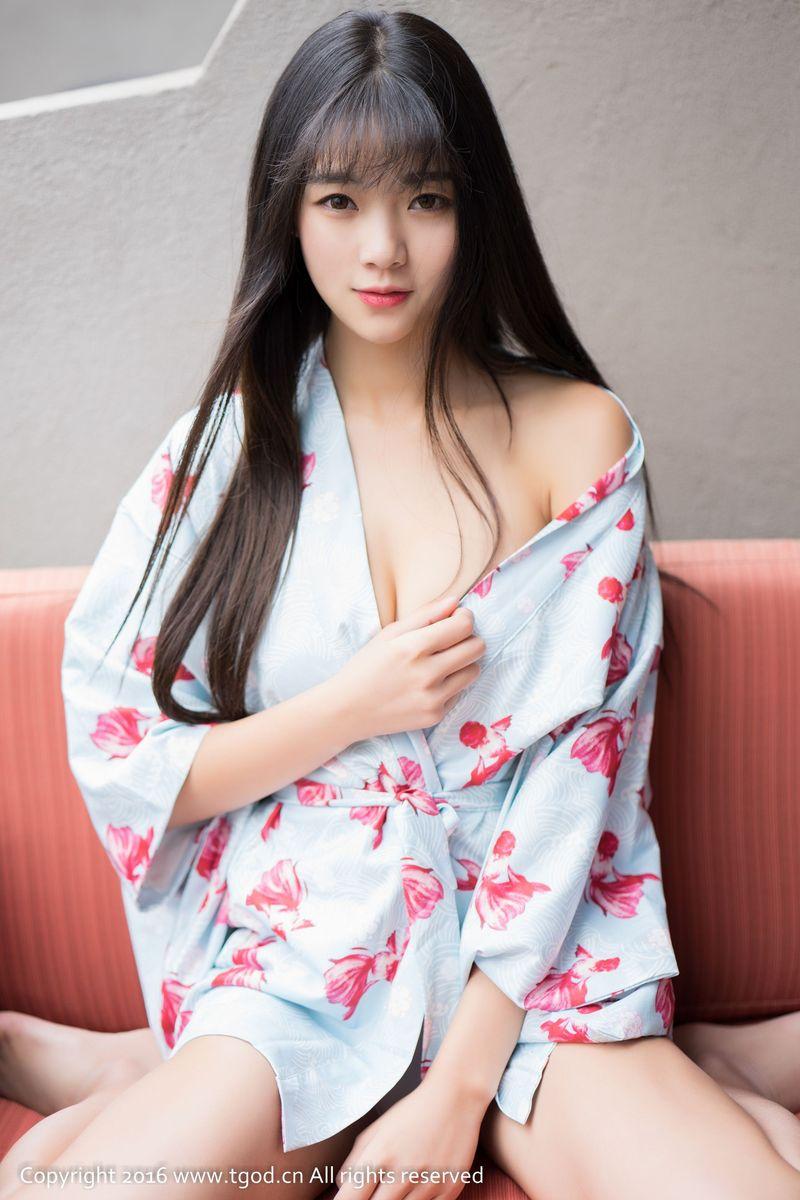 [YOUMI尤蜜荟] 性感女神可乐Vicky丝袜美腿情趣内衣诱惑大理旅拍 第二刊