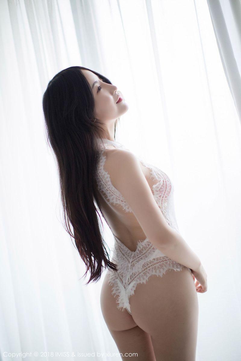 [IMiss爱蜜社] 性感女神绯月樱Cherry玲珑翘臀低胸内衣诱惑写真 Vol.249
