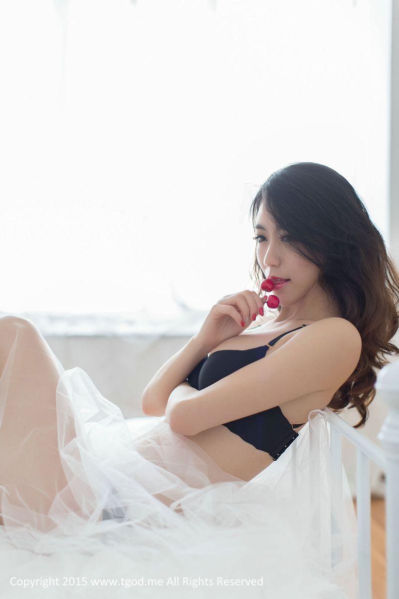 [TGOD推女神] 诱惑女神邓雪Sweet魔鬼身材蕾丝诱惑日系风格写真