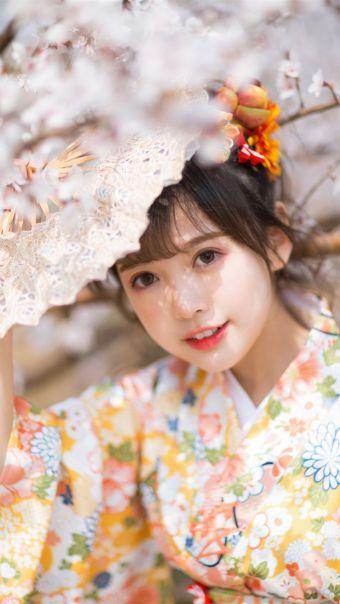 樱花和服美女