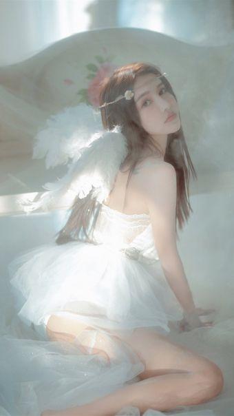 气质美女天使写真