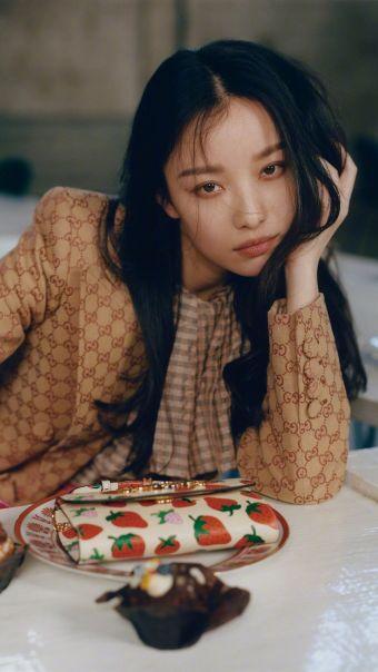 倪妮复古时尚写真