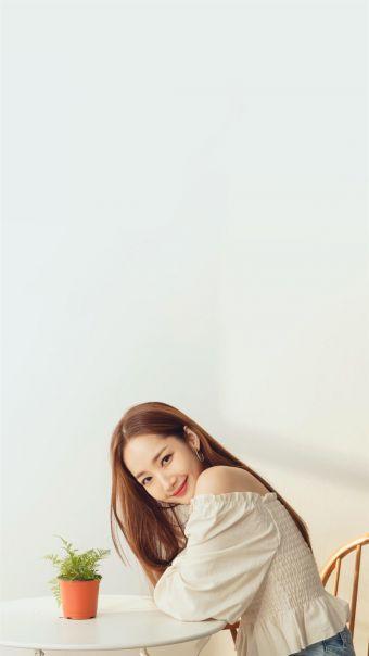 韩国美女明星朴敏英