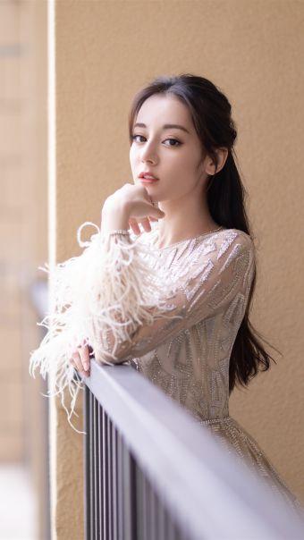 美女演员迪丽热巴