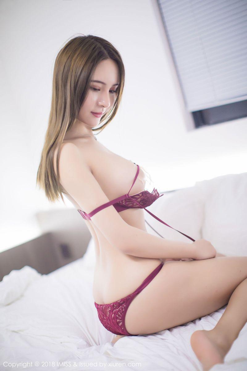 [IMiss爱蜜社] 美女模特SOLO-尹菲美胸丁字裤情趣内衣私房套图 Vol.210