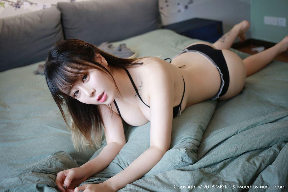 [MFStar模范学院] 性感女神王雨纯别致身材三点式内衣勾人魂魄私房写真 Vol.144